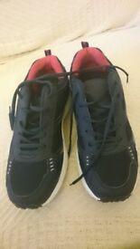 Men's Trainer Size 8 Brand New