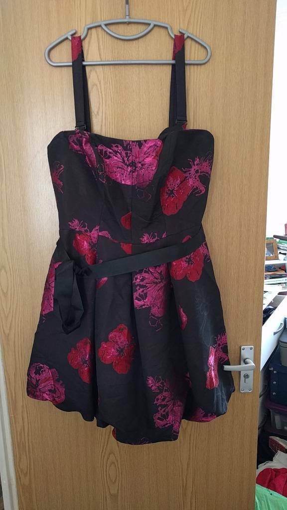 Bravissimo party dress. Size 16 RCin SwanseaGumtree - Bravissimo party dress. Size 16 really curvy straps are removable. Now the wrong size for me but a love dress that deserves to be worn again. Has been hung in a closet for a while so needs a dry clean