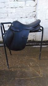 17 Inch albion legend jumping saddle