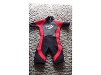 Shorty wetsuit, chest 26 inches, age 6/7.