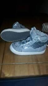 Size 6 girls bundle shoes