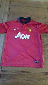 Manchester United kids shirt 10-12yrs