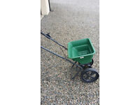 Garden Fertiliser Spreader