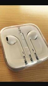 New Apple iPhone earphone. Original apple earphone