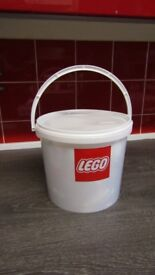 Over 1kg of LEGO in Lidded Tub Job Lot Mixed Pieces Parts Bricks Plates Wheels Figures