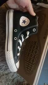 BRAND NEW IN BOX GENUINE Converse high tops size 1 adults/youth