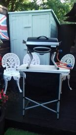 PORTABLE GAS BARBEQUE AND GAS CYLINDER