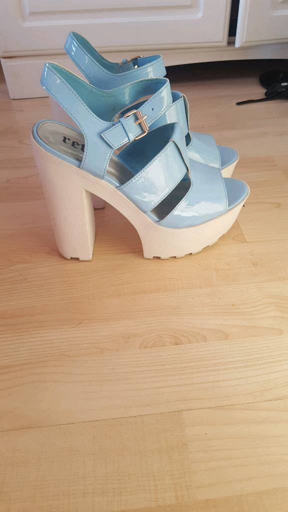 Chunky patent blue heels ! Size 7
