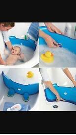 Baby dam bath time barrier