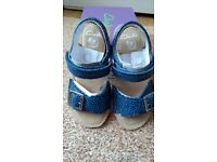 25eae6c49114 Sandals Clarks Ivy Blossom Inf Blue Leather size  UK 8.5 F  EUR 26