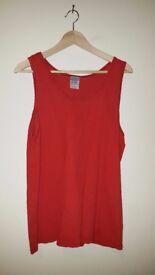 HIGH QUALITY | Men's Red Gildan Vest | Gildan Activewear | Size Medium | 100% Cotton | Leeds