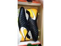 Nike tiempo Rio boots, metal studs, size uk10