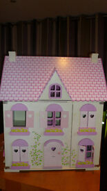 DOLLS HOUSE + FURNITURE + DOLLS + PETS