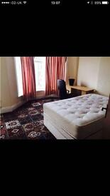 1 double bedroom available from 1st June