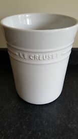 Le Crueset utensil storage pot