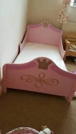 Toddler princess carriage bed