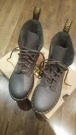 Dr Martins (Boots) - Grey