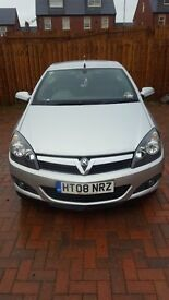 Vauxhall astra (Sport 115bhp)twin top silver,immacullate throughout. 08 plate Mot`d £2295 ovno.