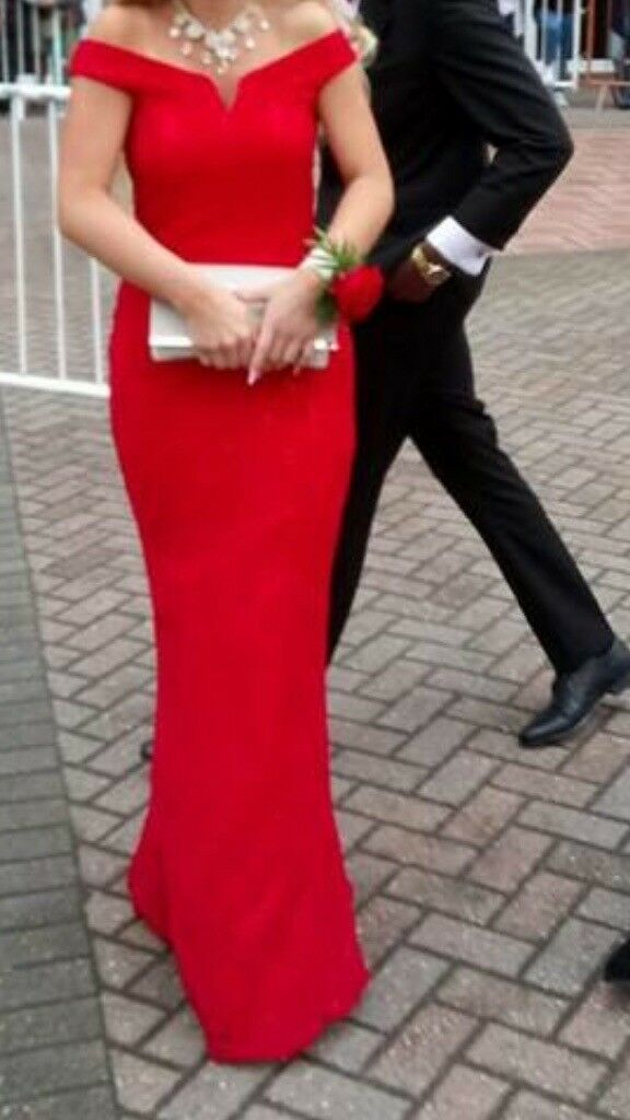 Beautiful red ,long ,prom or event dress. Women clothing uk size 8/10 (m)