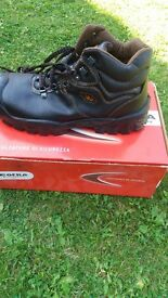 cofra safty boots size 9