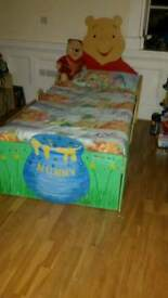 Winnie the pooh custom made,mattress not included!!!