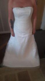 White wedding dress .... size 10-12
