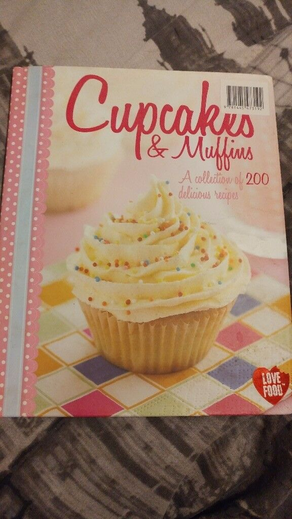 Cup cake and muffin cook book