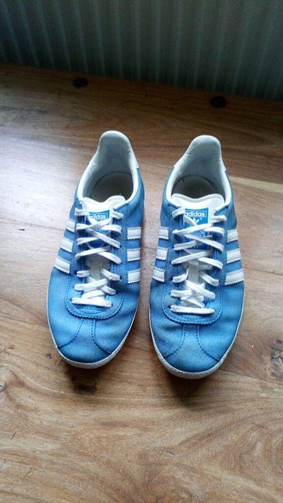 ladies adidas trainers size 4