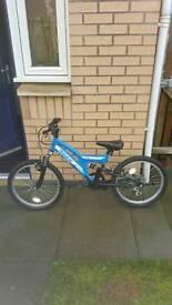 Boys bike great condition £40