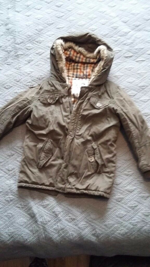 Boys winter jacket size 4-5 years