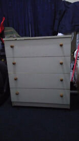 chest of drawer good condition