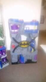Batman Cave & Gotham City