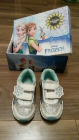 Girls Disney Frozen trainers. size jnr 7. white blue and silver.