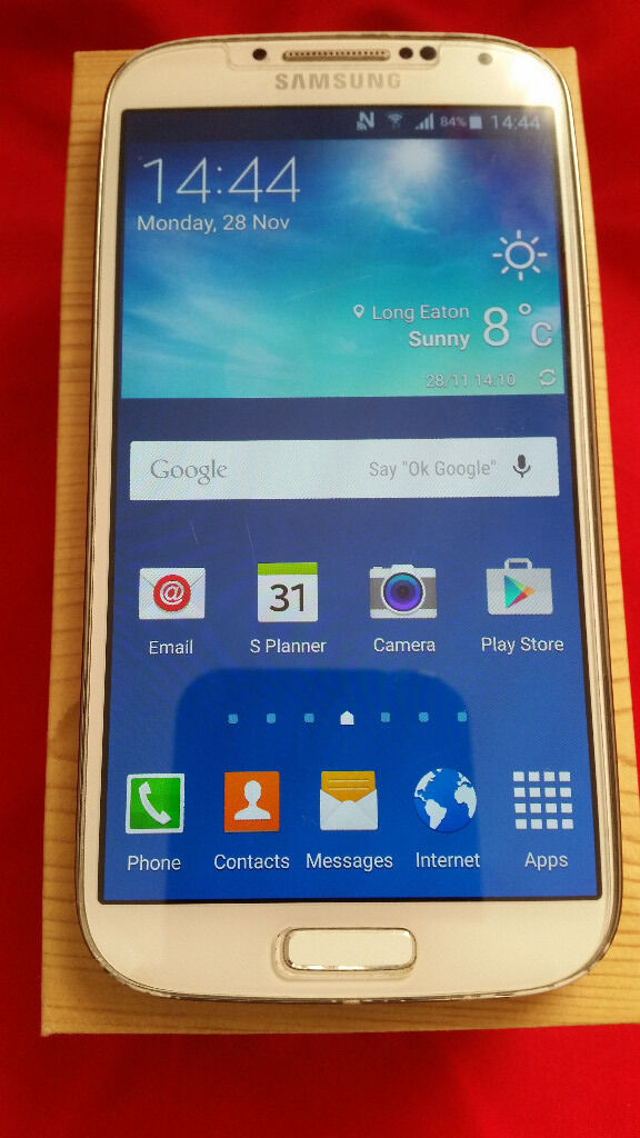 Samsung Galaxy S4 Whitein Long Eaton, NottinghamshireGumtree - Samsung Galaxy S4 white, boxed, with charger and USB cable, tempered glass screen protector on the display. Apart from some marks on the chromed side (not visible with a case on) the phone is in mint condition. Dont know for sure if its unlocked to...