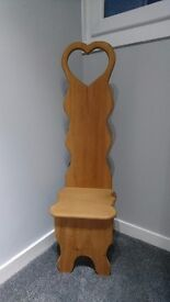 NEW ENGLAND STYLE FEATURE /CHILD'S CHAIR **REDUCED PRICE **