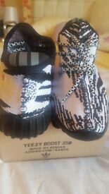 Yeezy boost trainers. Size8