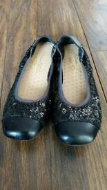 Girls Ballerina Style Party Shoes. Size 3.