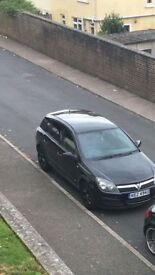 Black Vauxhall Astra 1.7cdti with Tinted windows & Sub.