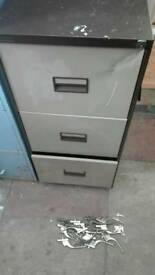 Filing cabinet. Metal 3 draw. Can deliver
