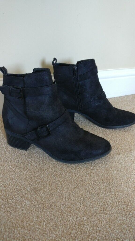 ce8f9c4c6a1 Black suede ankle boots, size 6 | in Little Paxton, Cambridgeshire | Gumtree