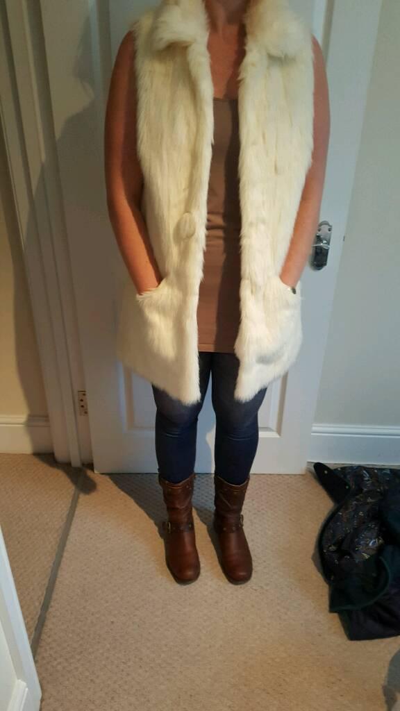 River island fur body warmer