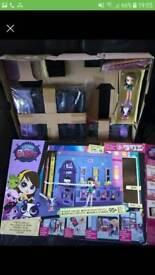 Littlest Pet Shop lps Blythe Bedroom set