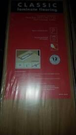 Laminate flooring classic style 6 packs