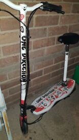 One Direction Electric Scooter with Charger Never Used Excellent Condition