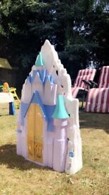 Frozen castle. Elsa and Anna dolls, Sven and Olaf figures and castle furniture included.