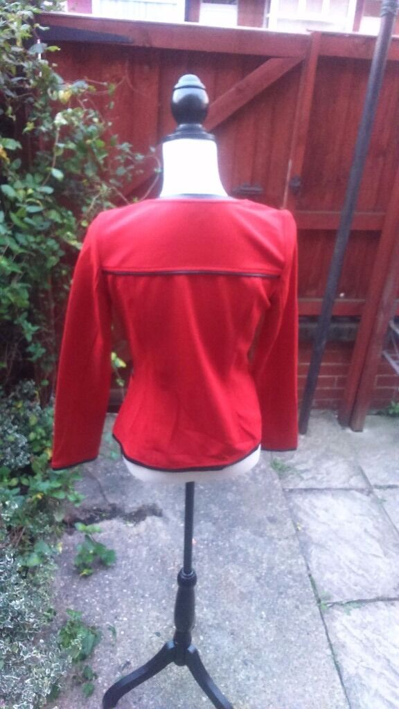 Jacket in redin Beeston, West YorkshireGumtree - Jacket in red, size S, Condition new without tags. Im selling it as its too small as got it as a gift