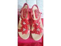 Bnwb 2 pairs ladies sandles size 5
