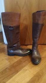 Tommy Hilfiger boots size 5