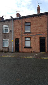 Two bed house in centre of Leigh, to let