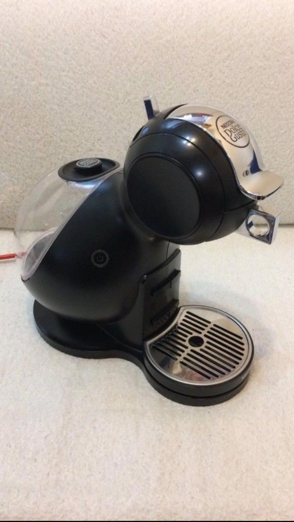 Nescafé dolce Gusto Coffee and Hot Drinks Machine